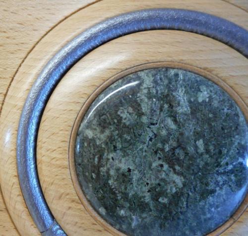 12 Detail of beech platter