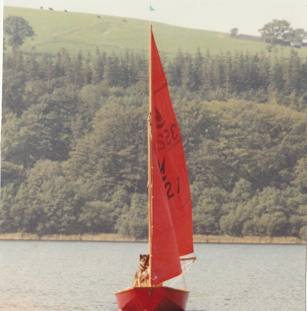 This image has an empty alt attribute; its file name is Mot-on-the-Mirror-dinghy-1011x1024.jpg