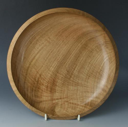 35 Shallow oak dish with feathered grain